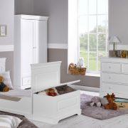 chambre-bébé-blanc-style-classique-idkids